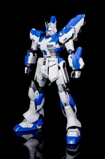 Master Grade Hi-Nu Gundam-2