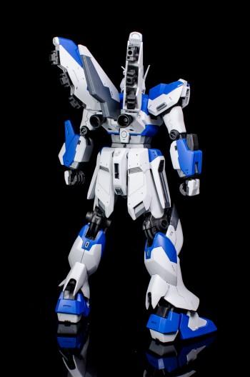Master Grade Hi-Nu Gundam-4